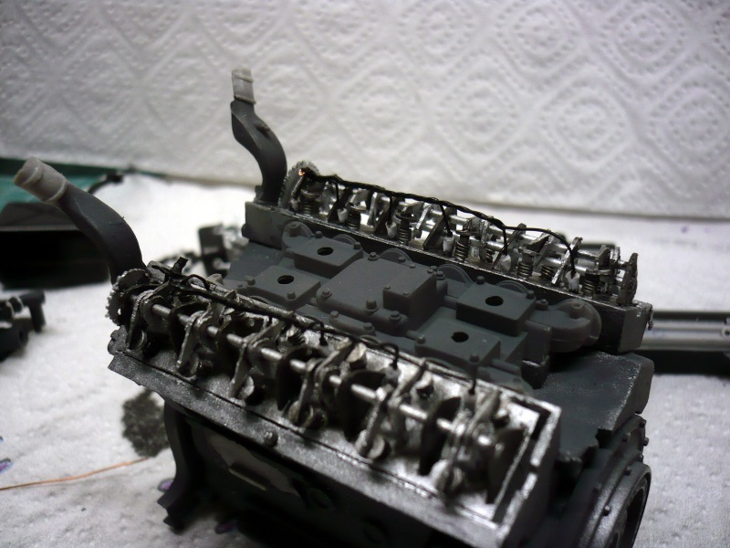182 King Tiger 2 in 1 - TRUMPETER 00910 - 1/16ème - Page 5 Moteur-a20